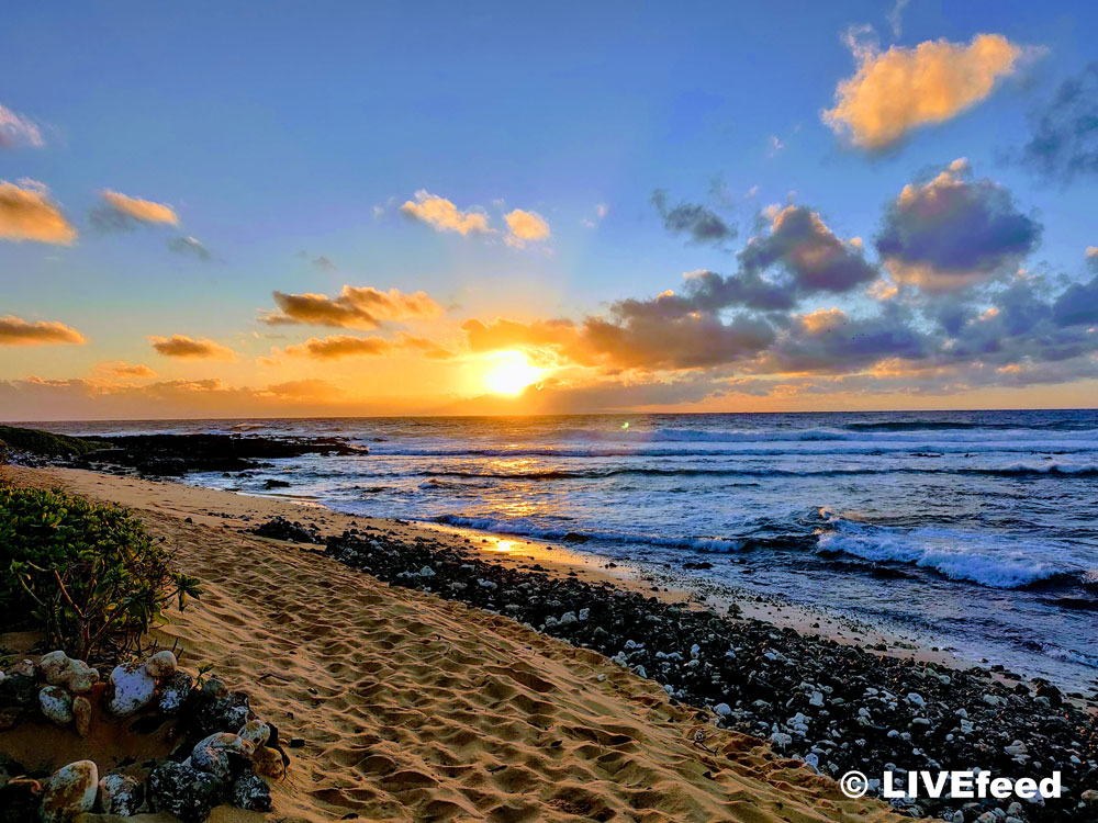 Sunrise at Sandy Beach, Honolulu, HI / Photo credit: LIVEfeed